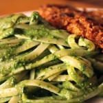 Bistec-Apanado-y-Tallarines-Verdes